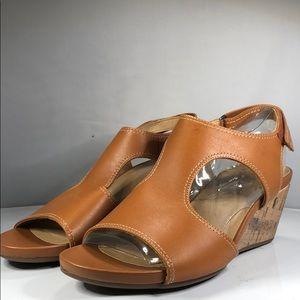 [174] Naturalizer  Wedge Sandals 10.5 M, Maple